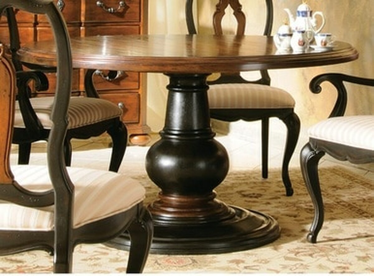 round tuscan dining table