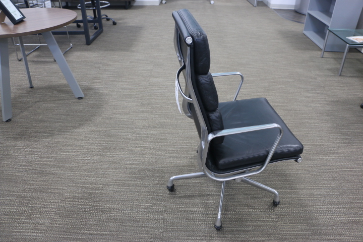 eames soft pad office chair low back