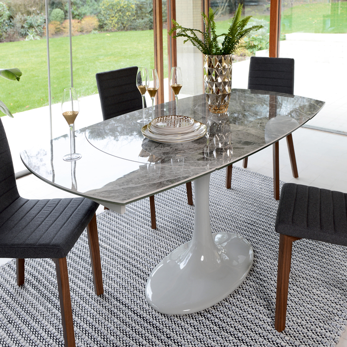 4 to 6 seater extendable dining table