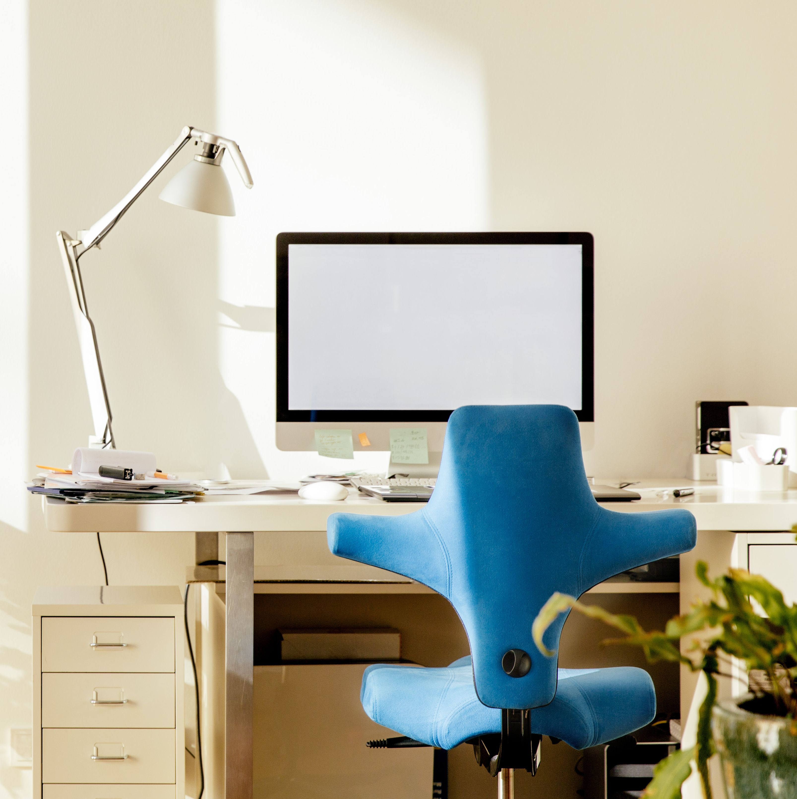 The Best Office Chairs Of 2021 Stylish Top Reviewed Desk Chairs