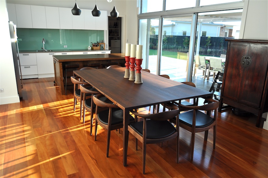 dining tables to seat 10
