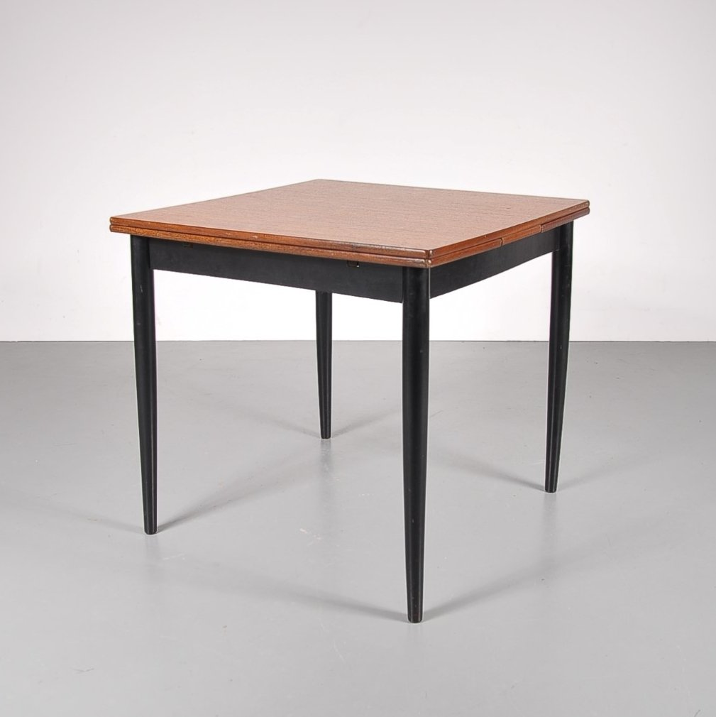 square dining table extendable