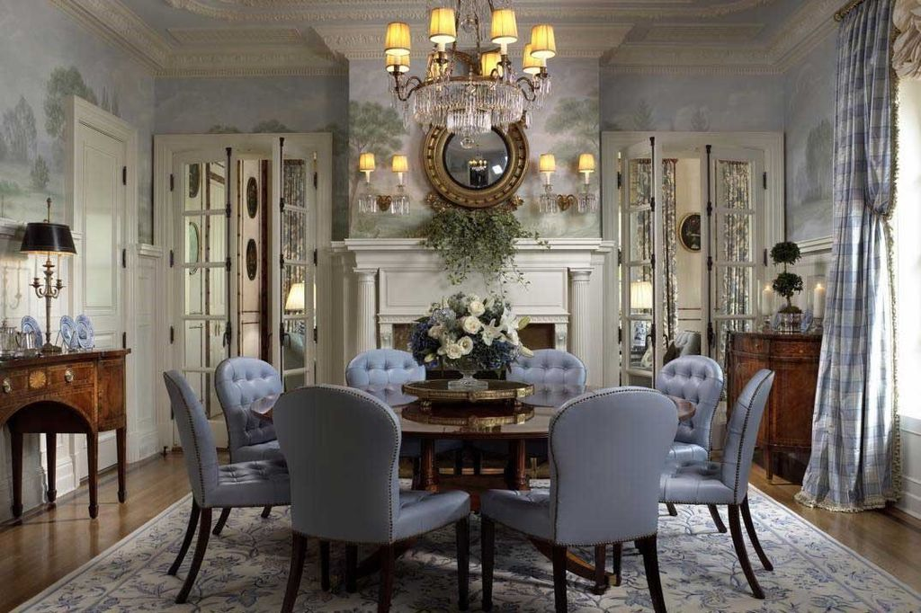 how to dress a dining room table