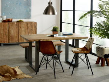 small oak dining table and 4 chairs