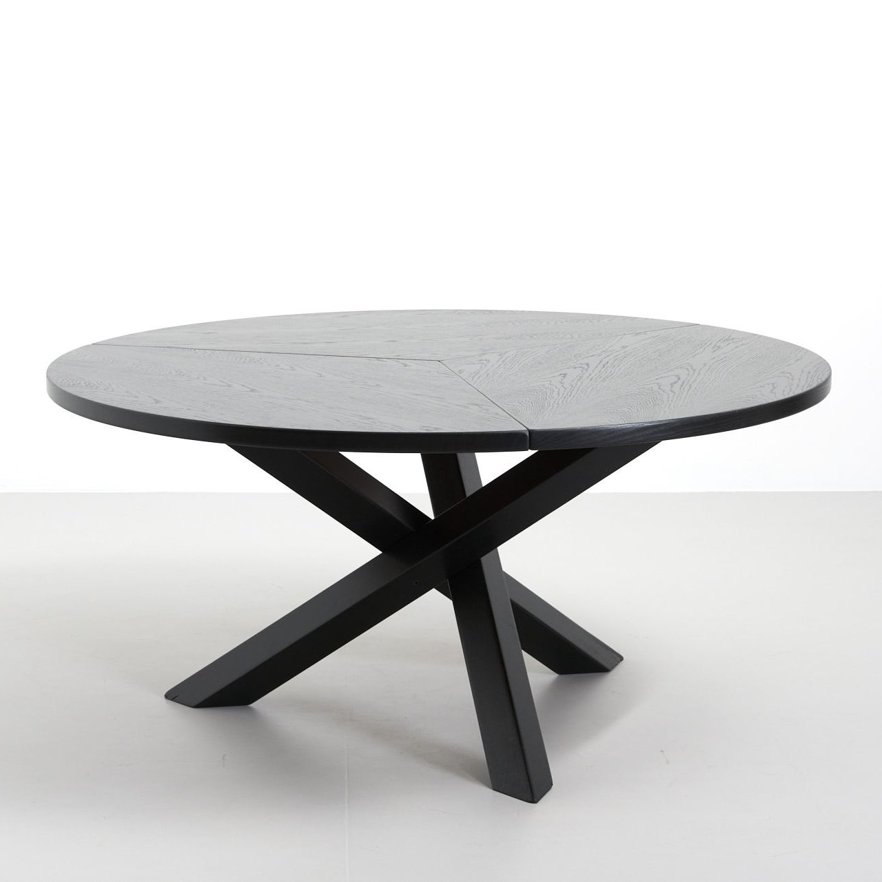 round dining table with criss cross legs