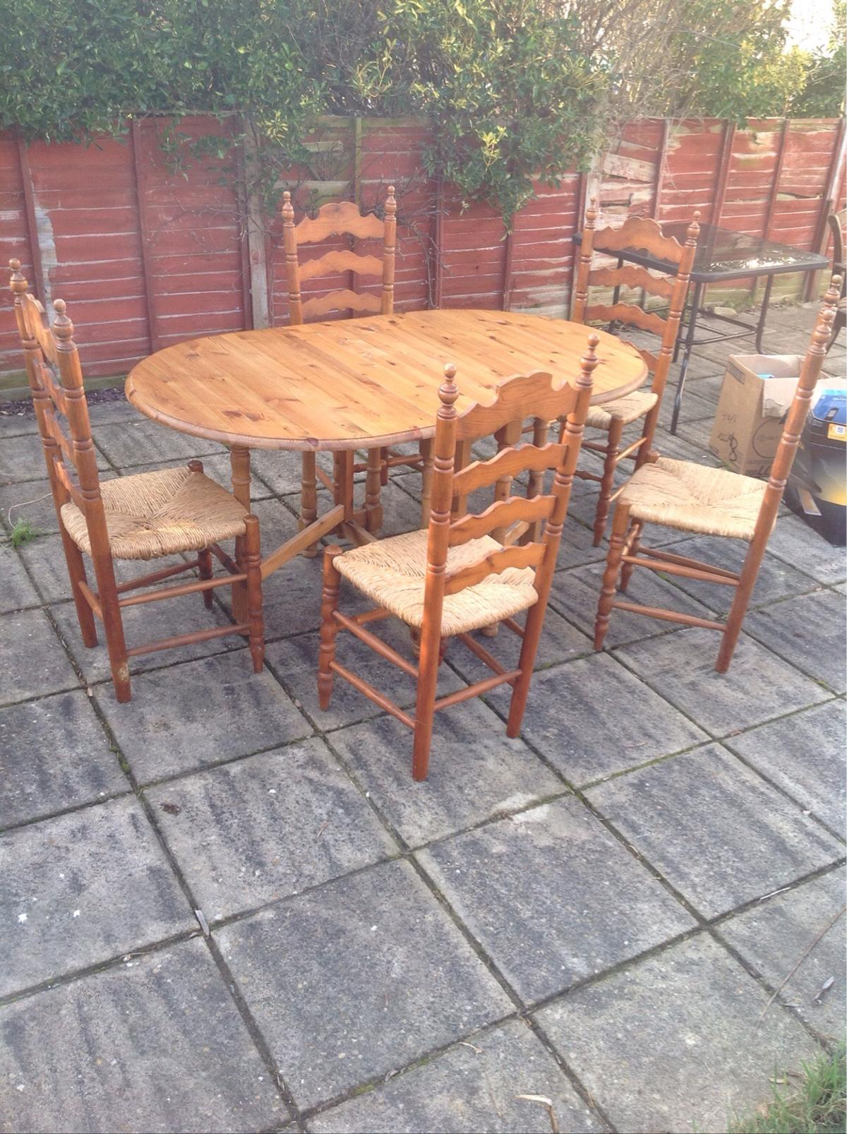 fold up dining room chairs