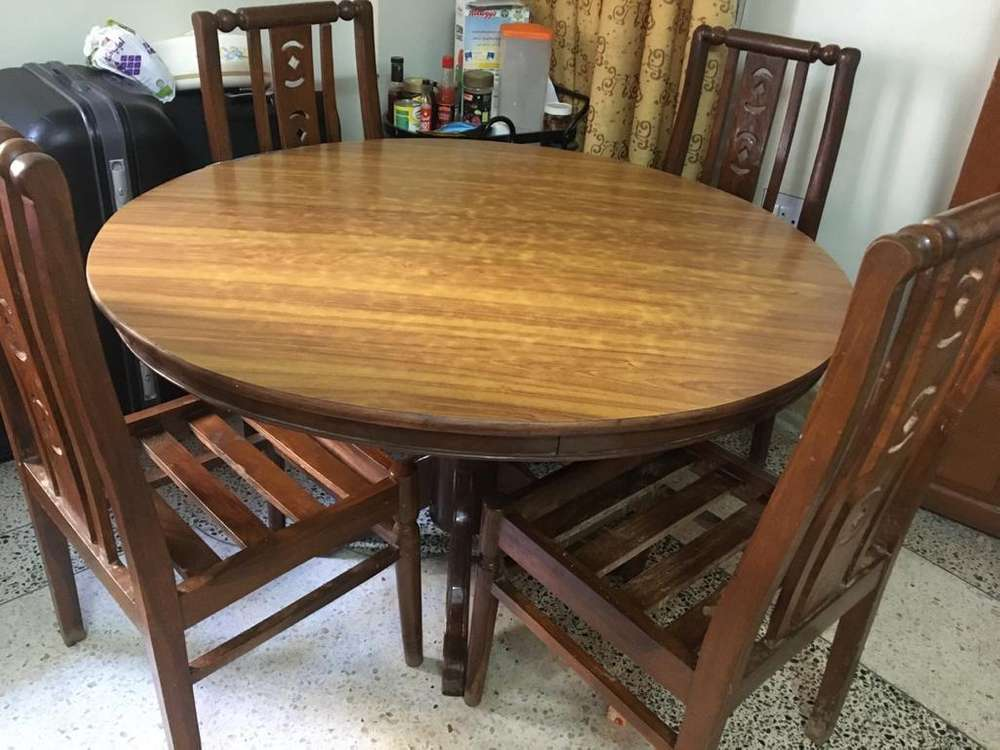 4 chair round dining table