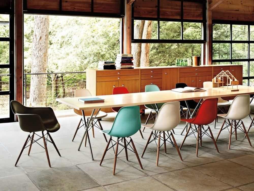 eames upholstered dining chair