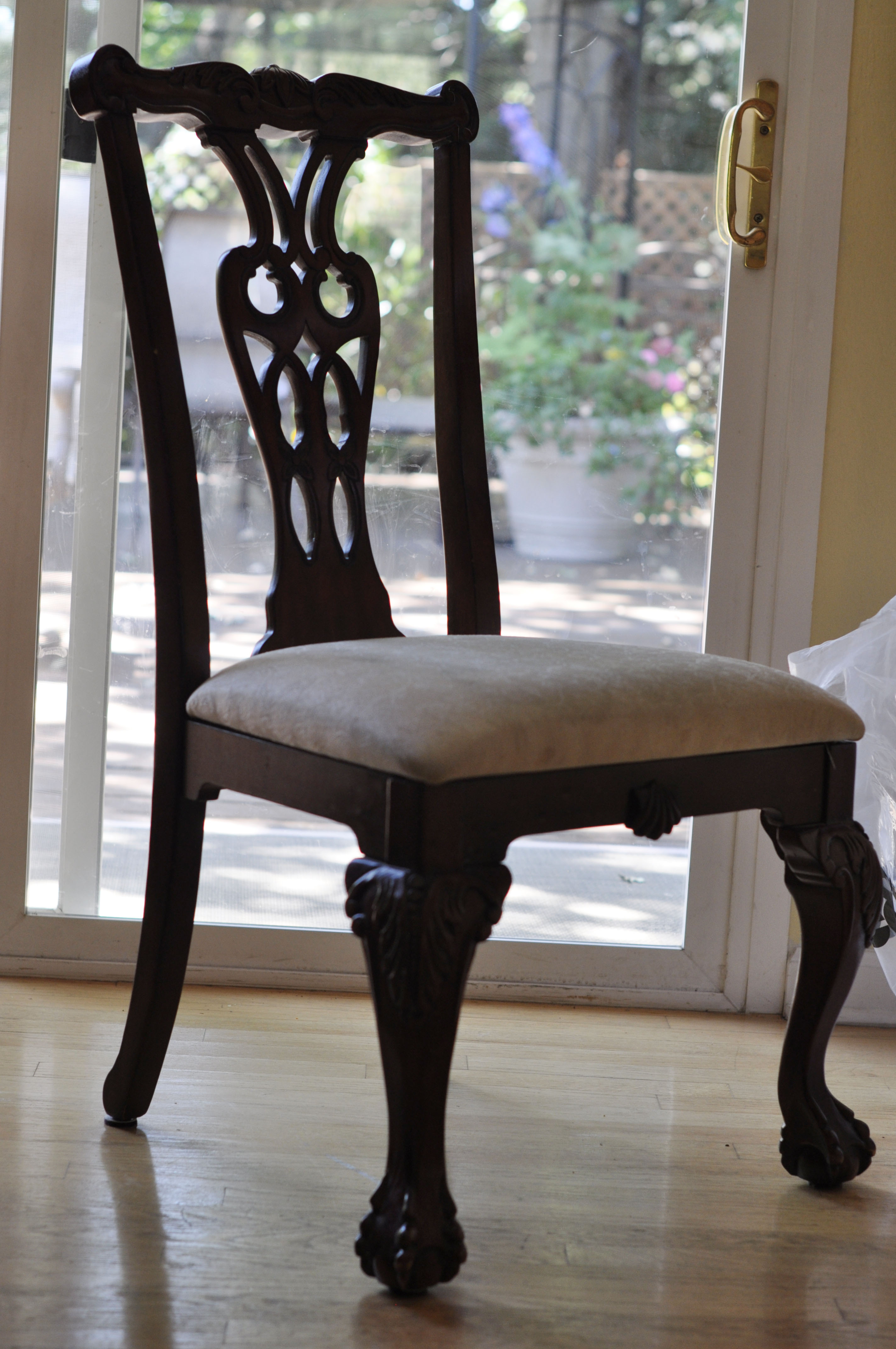 On Style Today 2020 12 25 Cost To Reupholster Dining Room Chairs Here