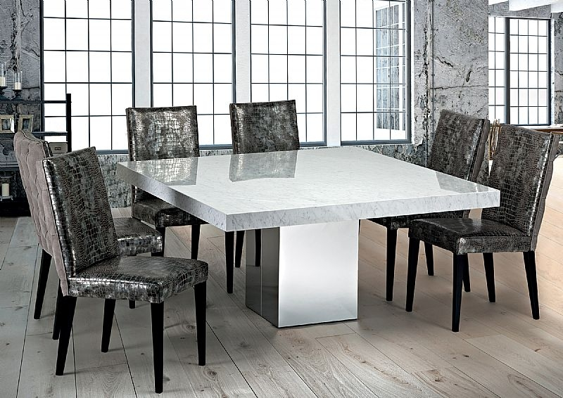 manhattan dining table and chairs